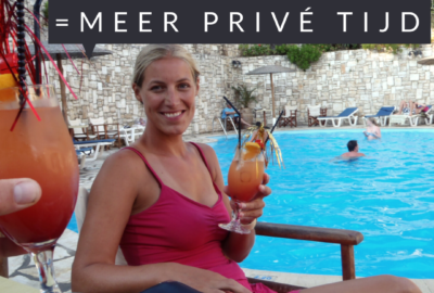 Dirkje van DEE-Organizer aan het zwembad op Corfu